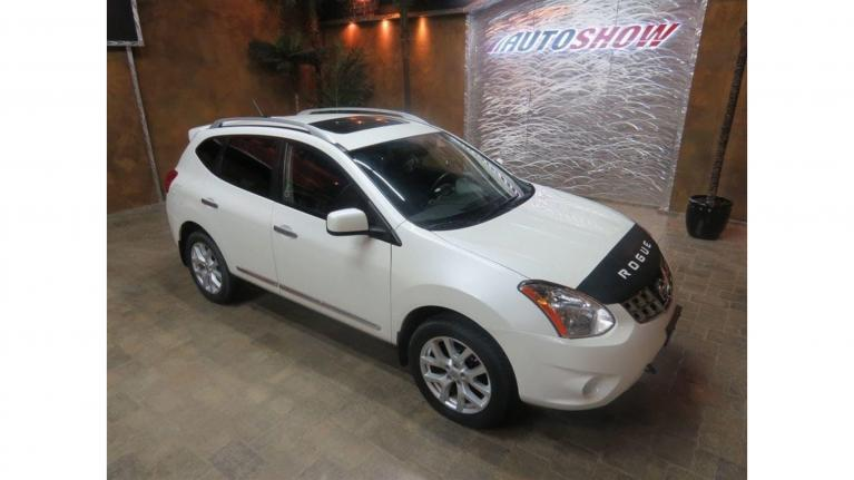 Used 2013 Nissan Rogue 4WD SV plus S.Roof, Nav & Htd Seats! for sale Sold at Auto Show Sales and Finance in Winnipeg MB R3Y 1G5 1