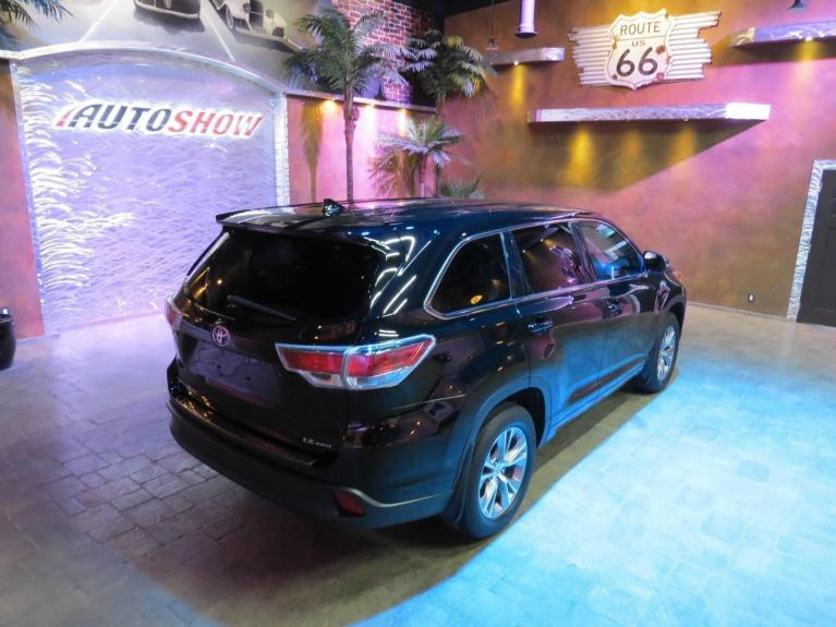 Used 2015 Toyota Highlander ** LOW K......only 31, 685!!! ** for sale $31,685 at Auto Show Sales and Finance in Winnipeg MB R3Y 1G5 2