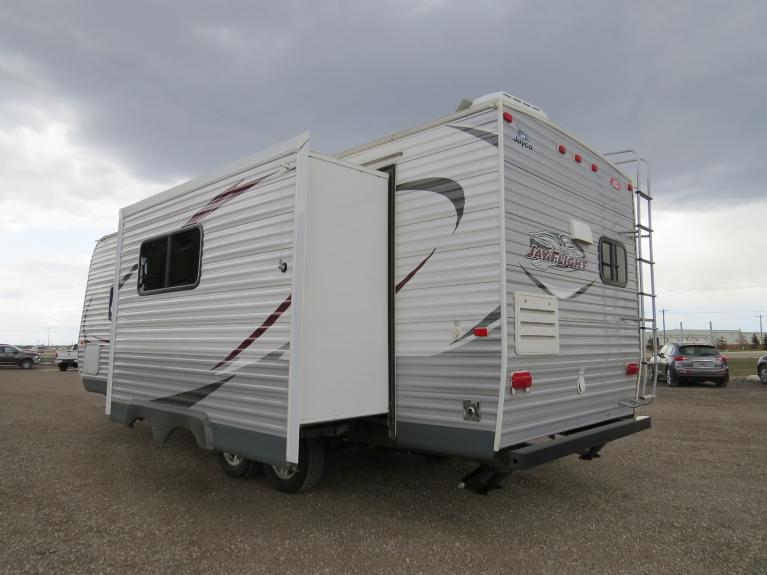 Used 2014 JAYCO JAY FLIGHT 25RKS Large Slide-Out, Outdoor Spkrs, Huge Floor Plan! for sale $22,600 at Auto Show Sales and Finance in Winnipeg MB R3Y 1G5 2