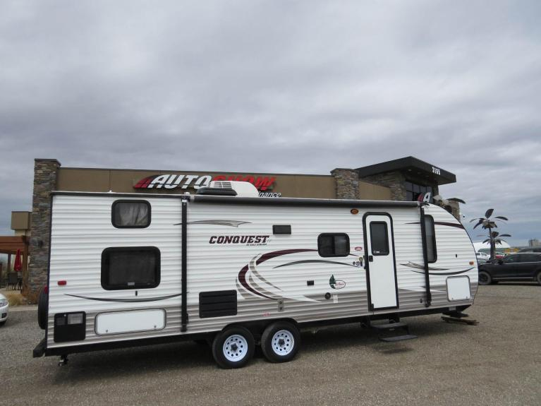Used 2014 GULF STREAM CONQUEST LE 259BH Sleeps 10! Large Slide-Out & 1/2 Ton Towable!! for sale $18,600 at Auto Show Sales and Finance in Winnipeg MB