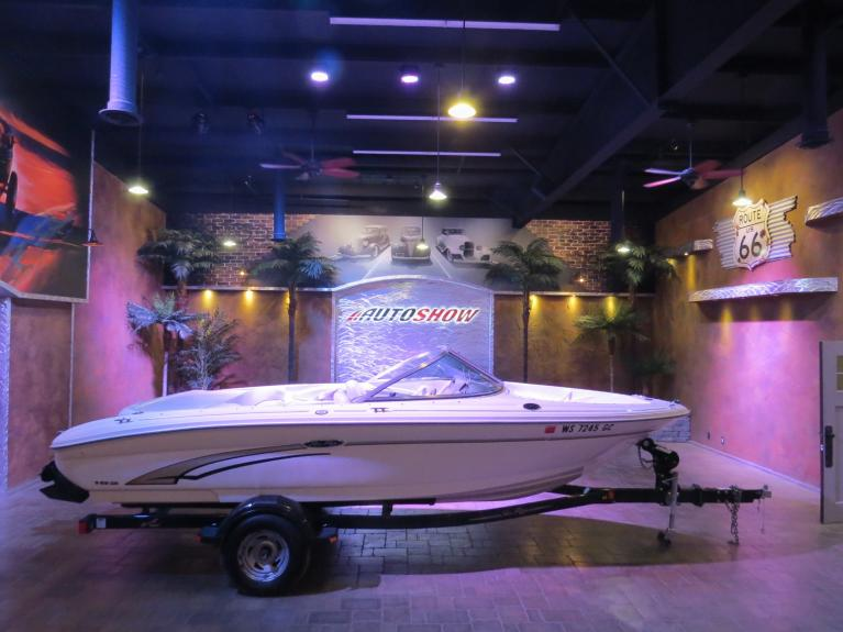Used 2002 SEA RAY 182 ** SHARP IMMAC. SEA RAY!! ** for sale Sold at Auto Show Sales and Finance in Winnipeg MB R3Y 1G5 1