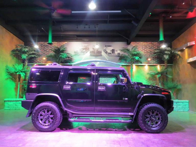 Used 2004 HUMMER H2 IMPRESSIVE!!  Low K, S.Roof, Htd Lthr, Bose!!! for sale Sold at Auto Show Sales and Finance in Winnipeg MB R3Y 1G5 2