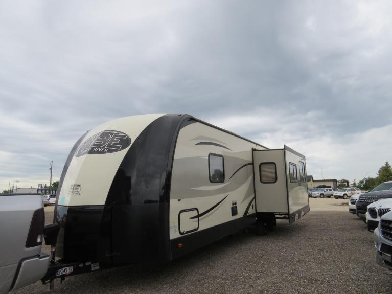 Used 2016 Forest River Vibe 268RK Large Slide-Out, Outdoor Spkrs, Huge Floor Plan! for sale $26,800 at Auto Show Sales and Finance in Winnipeg MB