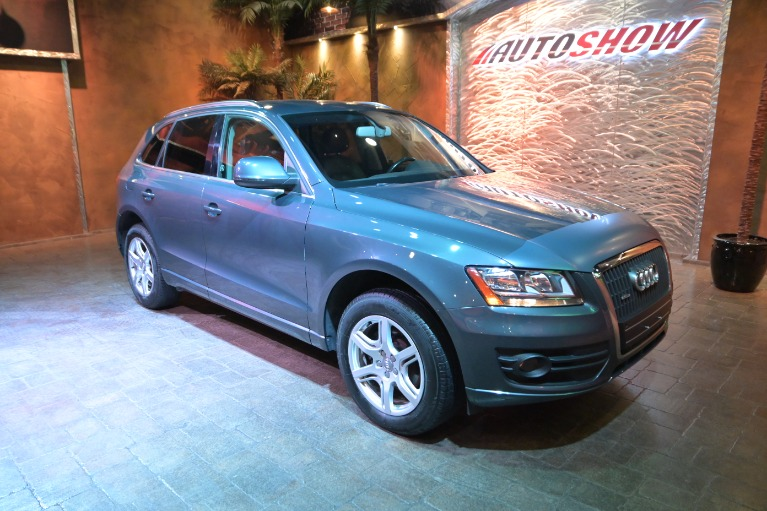 Used 2011 Audi Q5 2.0 Quattro Premium- Low Kms- Heated Seats for sale $19,800 at Auto Show Sales and Finance in Winnipeg MB R3Y 1G5 2