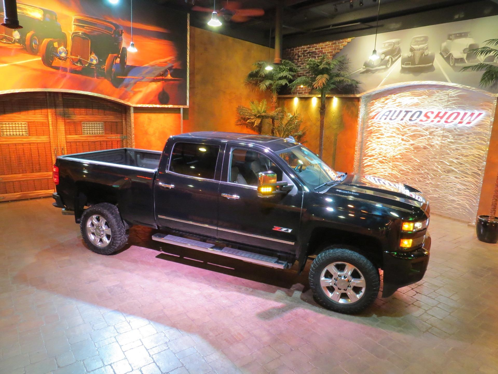 Used 2018 Chevrolet Silverado 2500HD LTZ ** LIKE NEW!!  MIDNIGHT BLACK DURAMAX!!! ** for sale $64,800 at Auto Show Sales and Finance in Winnipeg MB R3Y 1G5 1