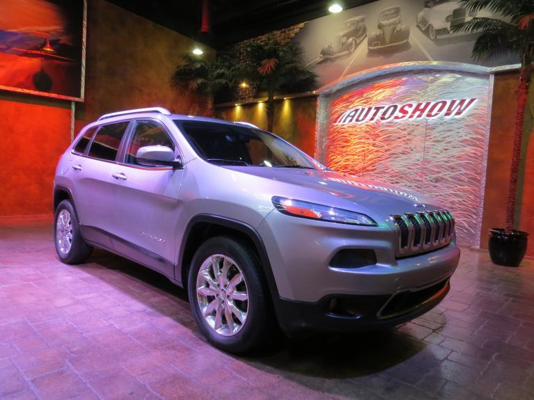 Used 2014 Jeep Cherokee Limited 4WD - Pano Roof, Htd Lthr, R.Start!! for sale $20,995 at Auto Show Sales and Finance in Winnipeg MB R3Y 1G5 2