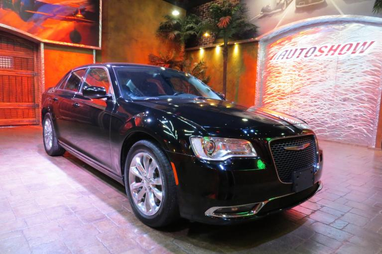 Used 2016 Chrysler 300 Limited AWD - Nav, Htd Lthr, LOW K!! for sale $24,366 at Auto Show Sales and Finance in Winnipeg MB R3Y 1G5 2