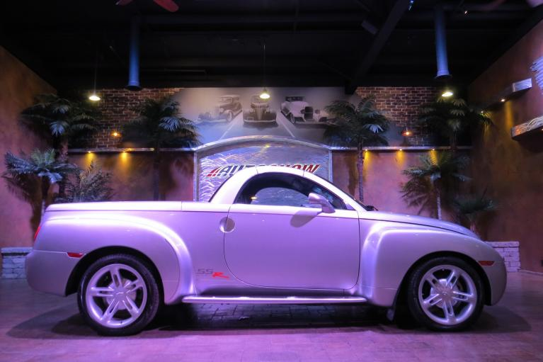 Used 2004 Chevrolet SSR Pristine!  Extra Clean!! for sale Sold at Auto Show Sales and Finance in Winnipeg MB R3Y 1G5 2