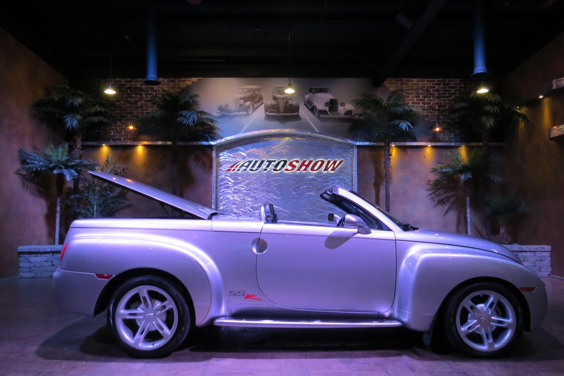 Used 2004 Chevrolet SSR Pristine!  Extra Clean!! for sale $24,800 at Auto Show Sales and Finance in Winnipeg MB R3Y 1G5 1