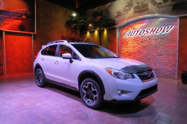 Used 2015 Subaru XV Crosstrek 2.0i Premium - S.Roof, B.Up Cam, Htd Seats!! for sale $19,800 at Auto Show Sales and Finance in Winnipeg MB R3Y 1G5 2