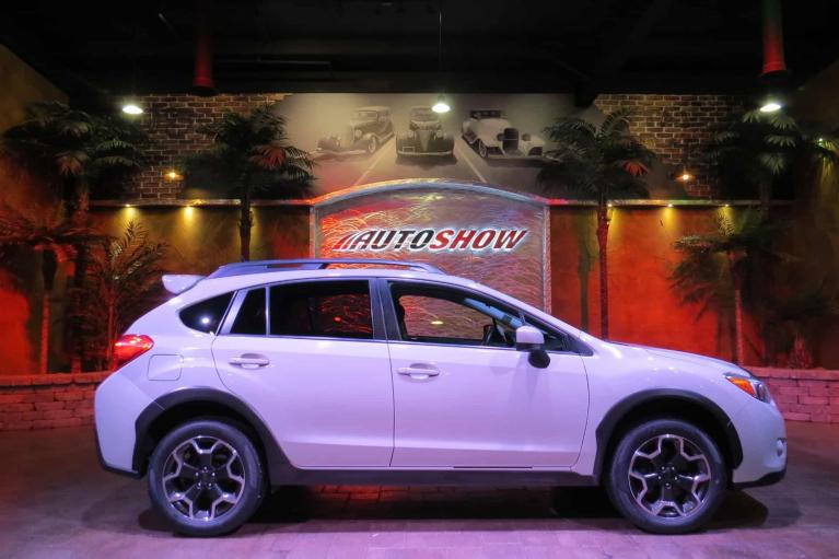 Used 2015 Subaru XV Crosstrek 2.0i Premium - S.Roof, B.Up Cam, Htd Seats!! for sale $19,800 at Auto Show Sales and Finance in Winnipeg MB