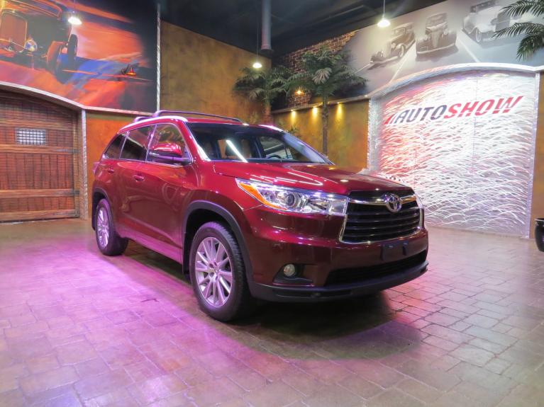 Used 2014 Toyota Highlander XLE AWD V6 - S.Roof, Nav, Htd Lthr! for sale $26,600 at Auto Show Sales and Finance in Winnipeg MB R3Y 1G5 2