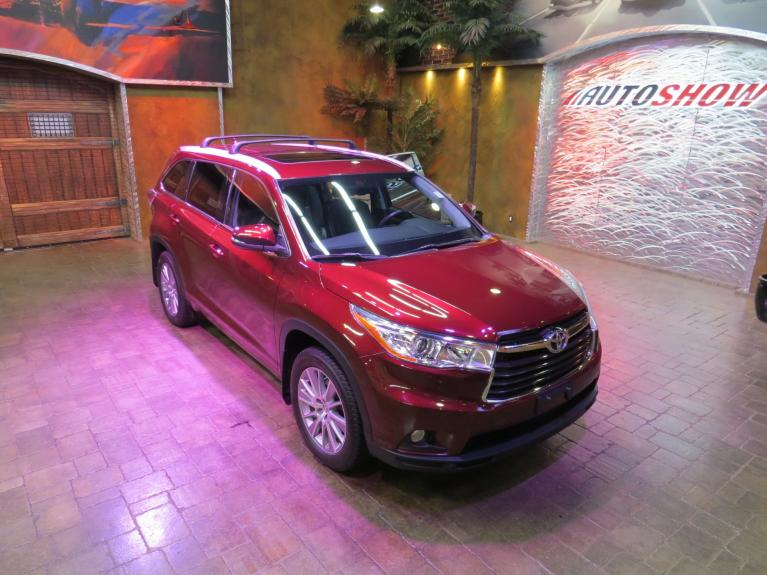 Used 2014 Toyota Highlander XLE AWD V6 - S.Roof, Nav, Htd Lthr! for sale $29,600 at Auto Show Sales and Finance in Winnipeg MB