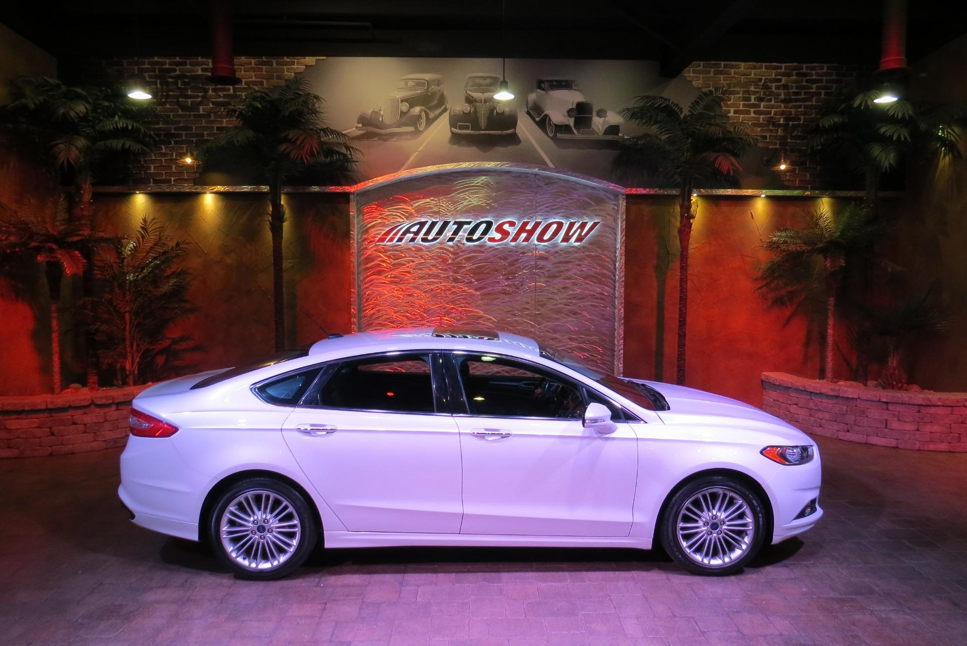 Used 2016 Ford Fusion SE AWD - S.Roof, Nav, Htd Seats, LOW K!! for sale $19,600 at Auto Show Sales and Finance in Winnipeg MB R3Y 1G5 1