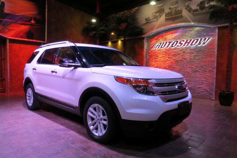 Used 2015 Ford Explorer 4WD w/ Pano Roof, Htd Lthr, Nav!! for sale $24,800 at Auto Show Sales and Finance in Winnipeg MB R3Y 1G5 2