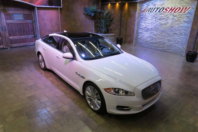 Used 2014 Jaguar XJ XJL Portfolio AWD ** PRISTINE AND FLAWLESS!! ** for sale $35,800 at Auto Show Sales and Finance in Winnipeg MB R3Y 1G5 2