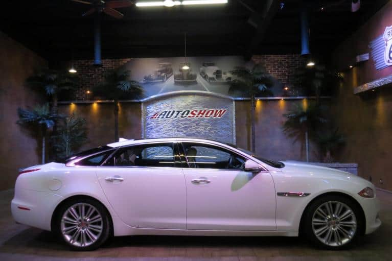 Used 2014 Jaguar XJ XJL Portfolio AWD ** PRISTINE AND FLAWLESS!! ** for sale $35,800 at Auto Show Sales and Finance in Winnipeg MB R3Y 1G5 1