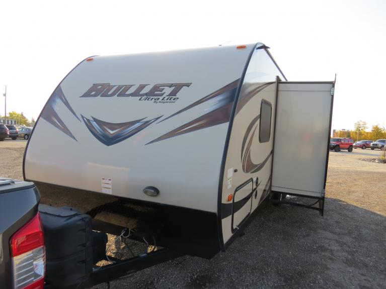 Used 2015 Keystone Bullet 272 BHS 27 Ft. Bunkhouse w/ Slide & Thermal Pack!! for sale $22,800 at Auto Show Sales and Finance in Winnipeg MB R3Y 1G5 2