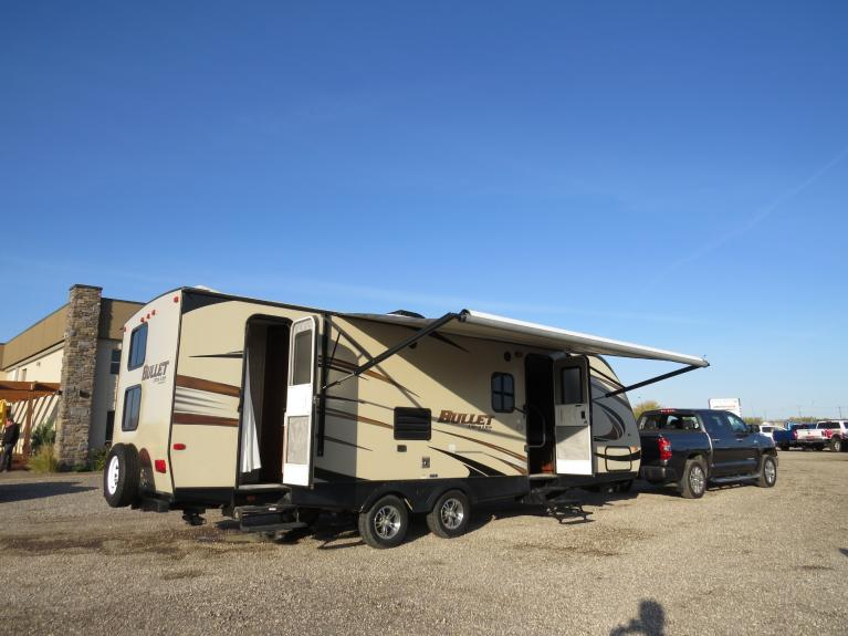 Used 2015 Keystone Bullet 272 BHS 27 Ft. Bunkhouse w/ Slide & Thermal Pack!! for sale $22,800 at Auto Show Sales and Finance in Winnipeg MB