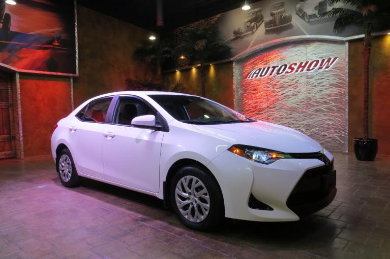 Used 2018 Toyota Corolla LE - Adaptive Cruise & Lane Departure Warning! for sale $18,990 at Auto Show Sales and Finance in Winnipeg MB R3Y 1G5 1