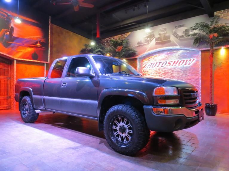Used 2004 GMC Sierra 1500 Local 4x4 - 5.3L, B.Tooth, Custom Exhaust! for sale $8,600 at Auto Show Sales and Finance in Winnipeg MB