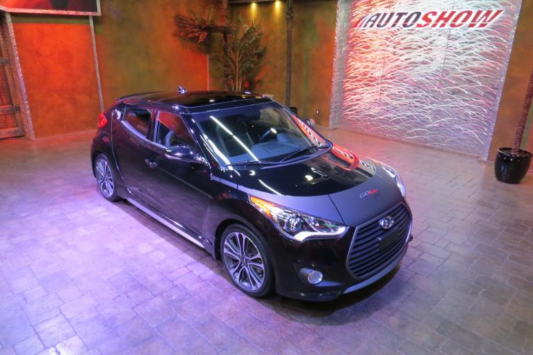 Used 2016 Hyundai Veloster Turbo w/ Tech - Pano Roof, Nav, 6 Spd M/T!!! for sale Sold at Auto Show Sales and Finance in Winnipeg MB R3Y 1G5 2