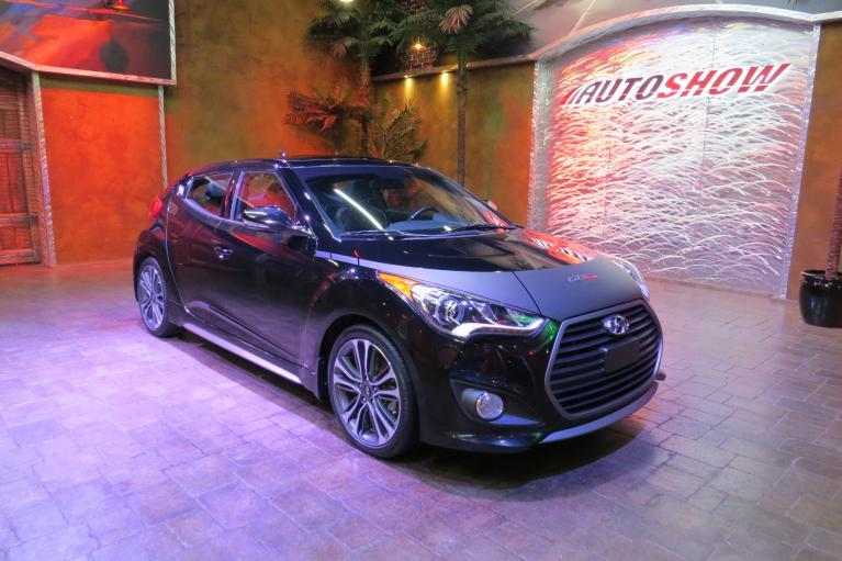 Used 2016 Hyundai Veloster Turbo w/ Tech - Pano Roof, Nav, 6 Spd M/T!!! for sale Sold at Auto Show Sales and Finance in Winnipeg MB R3Y 1G5 1