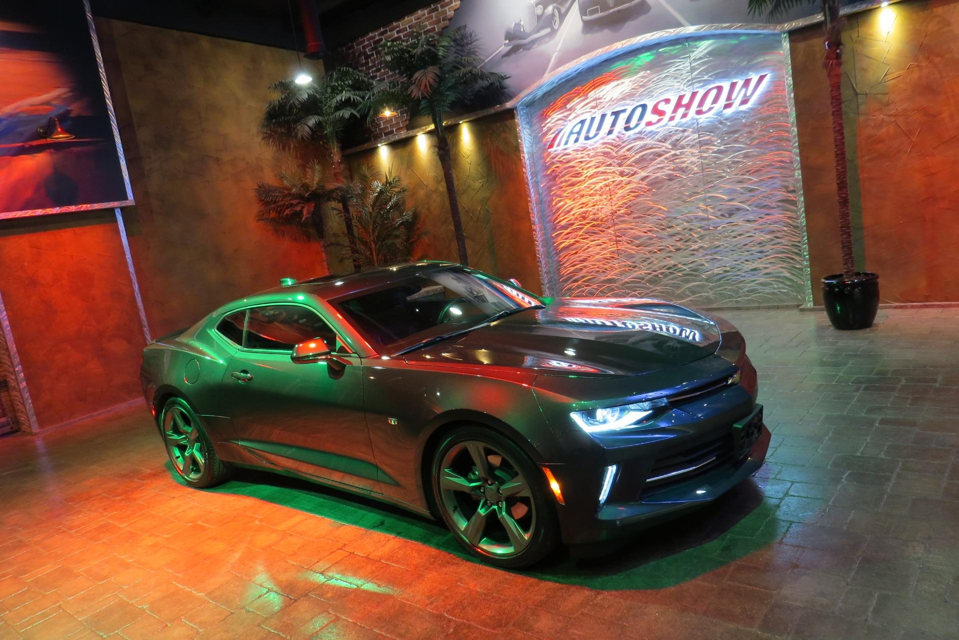 Used 2018 Chevrolet Camaro LT RS w/ S.Roof - Like NEW Local Trade!! for sale $26,800 at Auto Show Sales and Finance in Winnipeg MB R3Y 1G5 1