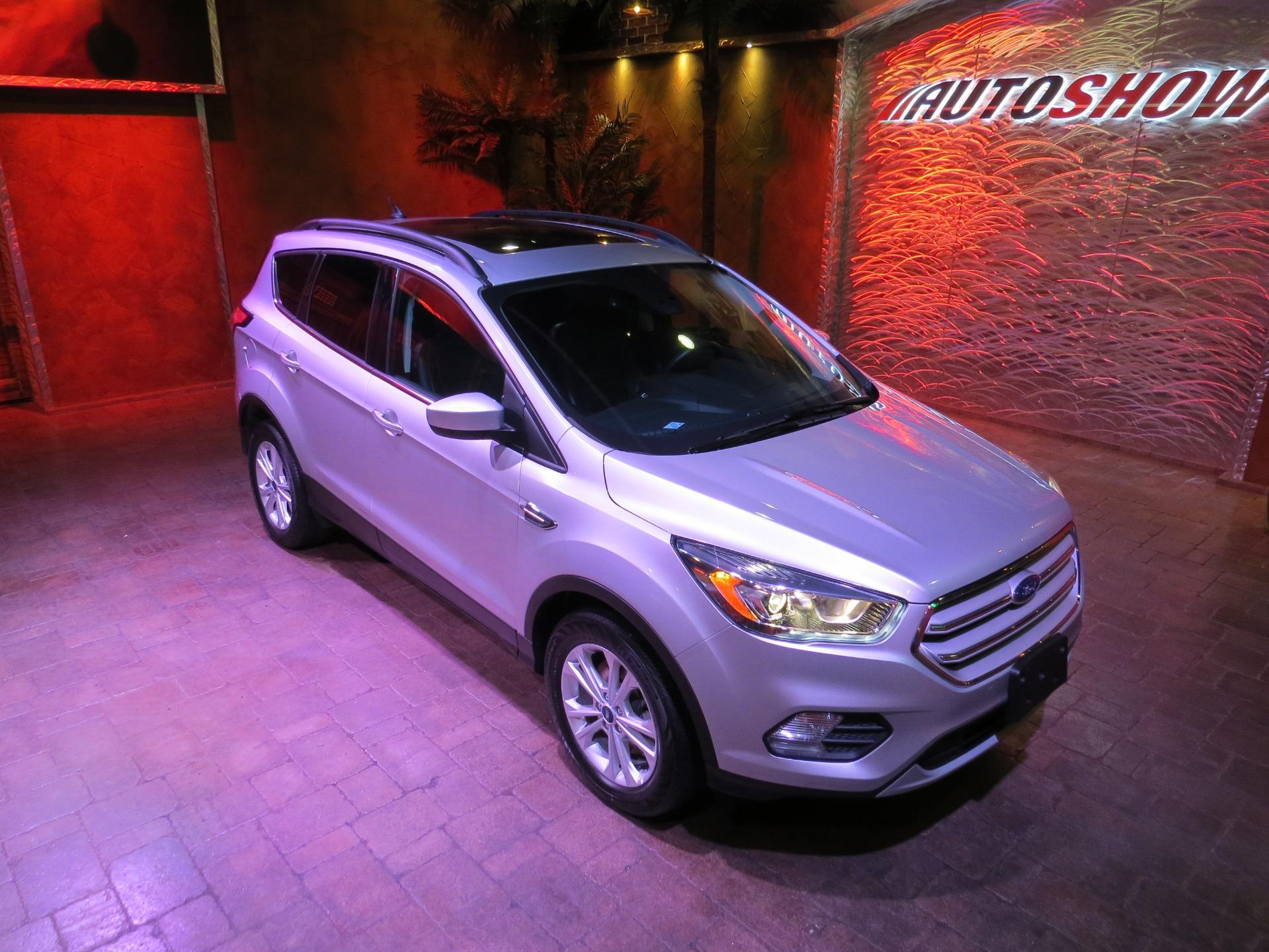 Used 2018 Ford Escape SEL 4WD - Nav, Pano Roof, Htd Lthr!! for sale $24,900 at Auto Show Sales and Finance in Winnipeg MB R3Y 1G5 1