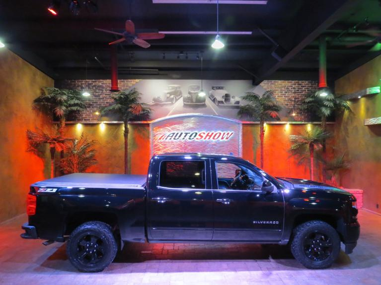 Used 2017 Chevrolet Silverado 1500 LT Z71 ** NIGHT EDITION!! ** for sale $35,800 at Auto Show Sales and Finance in Winnipeg MB R3Y 1G5 2