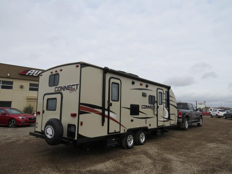 Used 2015 KZ Connect Spree 231 Bunks & Slide-Out!  Spacious!! for sale $23,688 at Auto Show Sales and Finance in Winnipeg MB R3Y 1G5 1