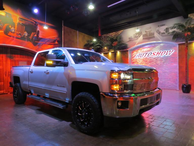 Used 2017 Chevrolet Silverado 2500HD LT 4x4 - 5th Wheel, R.Start & Htd Seats! for sale $39,800 at Auto Show Sales and Finance in Winnipeg MB R3Y 1G5 2