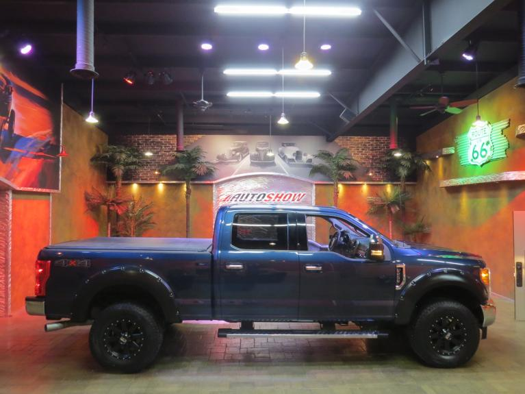 Used 2017 Ford F-250 Super Duty 4WD Crew - Big Screen & Big Upgrades!! for sale Sold at Auto Show Sales and Finance in Winnipeg MB R3Y 1G5 2