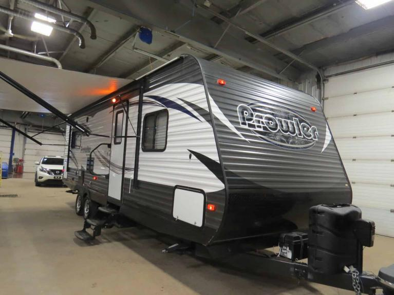 Used 2016 Prowler 25RLS Luxurious Couples Camper w/ Slide! for sale $21,675 at Auto Show Sales and Finance in Winnipeg MB R3Y 1G5 1