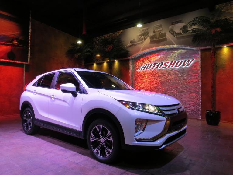 Used 2019 Mitsubishi Eclipse Cross ES AWC / AWD - B.Tooth & B.Up Cam!! for sale $23,675 at Auto Show Sales and Finance in Winnipeg MB R3Y 1G5 1