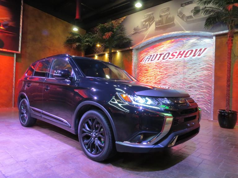 Used 2019 Mitsubishi Outlander BLACK ED. AWD - S.Roof, 7 Pass, Htd Seats!! for sale Sold at Auto Show Sales and Finance in Winnipeg MB R3Y 1G5 2