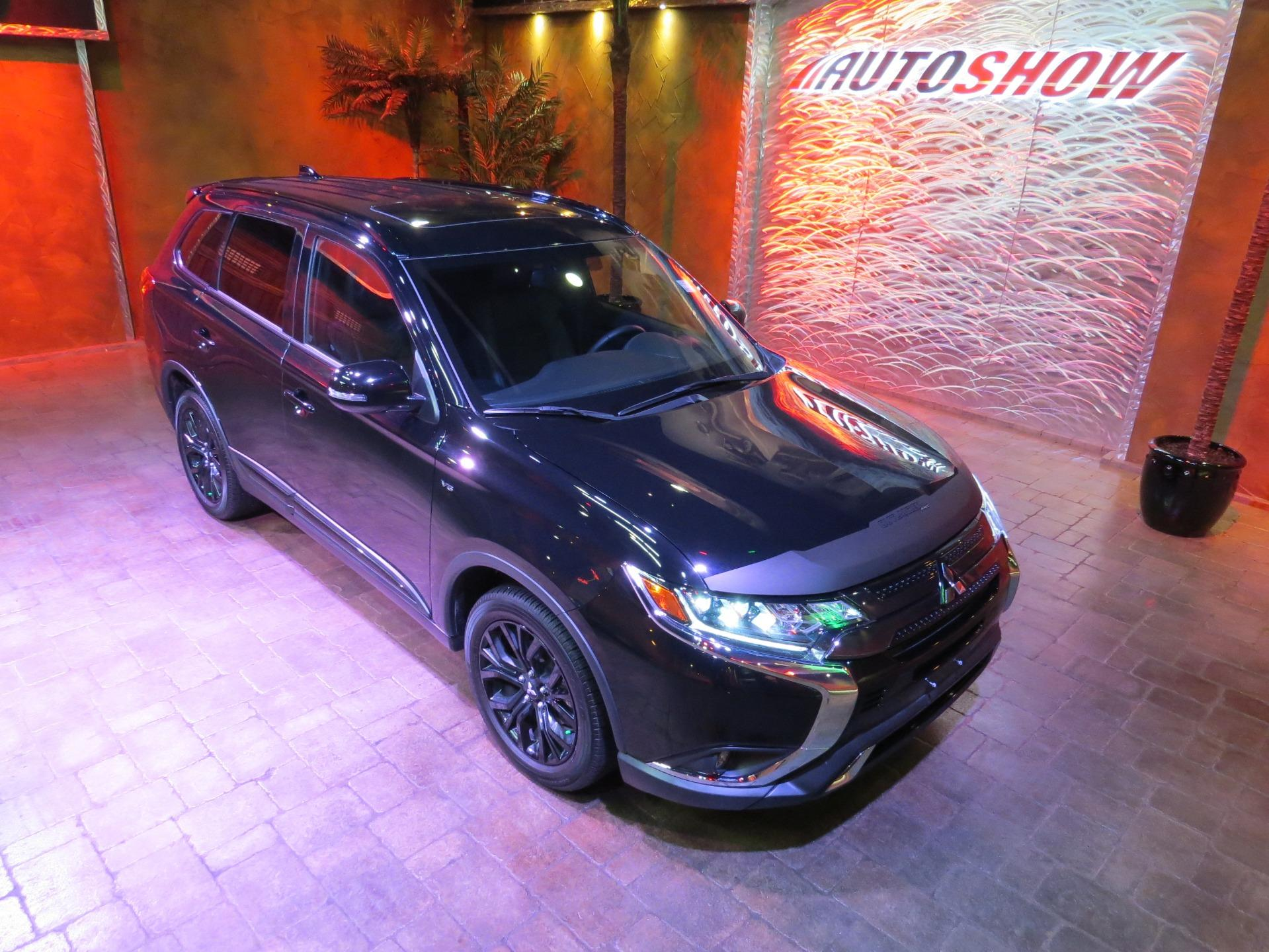 Used 2019 Mitsubishi Outlander BLACK ED. AWD - S.Roof, 7 Pass, Htd Seats!! for sale $28,800 at Auto Show Sales and Finance in Winnipeg MB R3Y 1G5 1