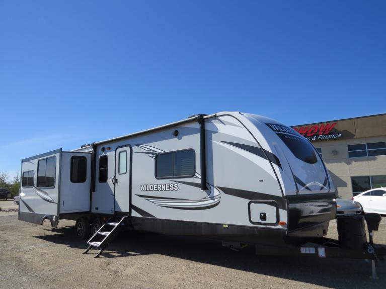 New 2020 Wilderness 3375KL Top of the Line - Luxury Couples Camper!! for sale $46,500 at Auto Show Sales and Finance in Winnipeg MB R3Y 1G5 2