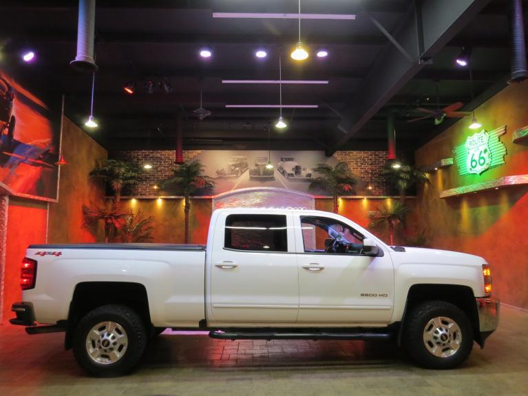 Used 2018 Chevrolet Silverado 2500HD LT Crew - R.Start, Big Screen, Rev. Cam for sale $37,600 at Auto Show Sales and Finance in Winnipeg MB R3Y 1G5 2