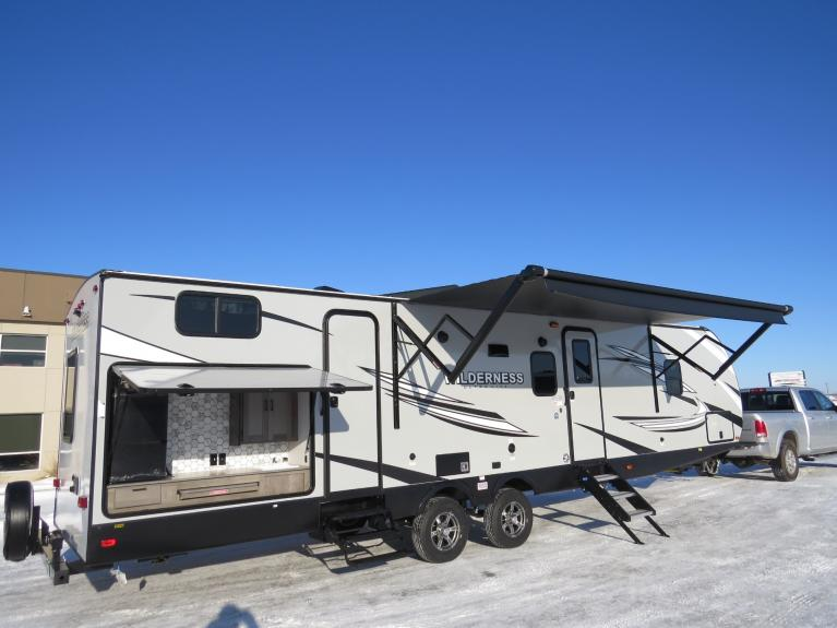 New 2020 Wilderness 3350DS Massive Bunkhouse w/ Outdoor Kitchen! for sale $41,675 at Auto Show Sales and Finance in Winnipeg MB