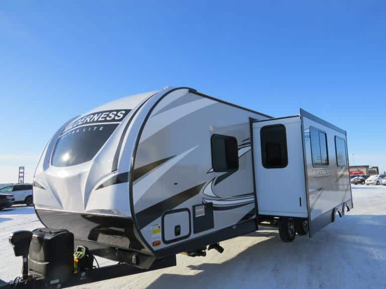 New 2020 Wilderness 2725BH Bunkhouse w/ Slide, Outdr Kitchen & Spkrs!! for sale $35,642 at Auto Show Sales and Finance in Winnipeg MB