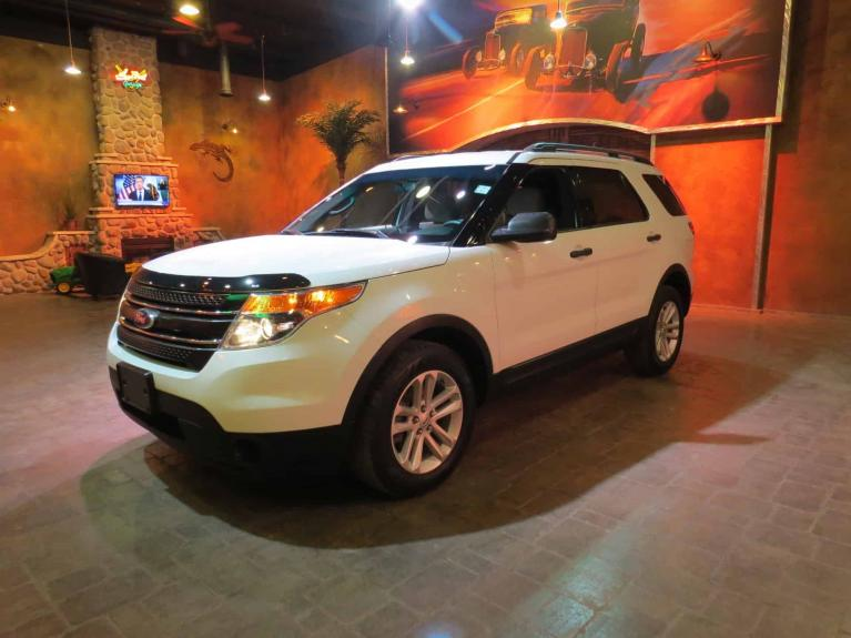 Used 2015 Ford Explorer 4x4 - 7 Passenger w/ R.Air & Heat! for sale $19,995 at Auto Show Sales and Finance in Winnipeg MB R3Y 1G5 2