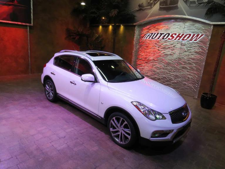 Used 2016 INFINITI QX50 AWD - Nav, S.Roof, Htd Lthr!! for sale $22,925 at Auto Show Sales and Finance in Winnipeg MB