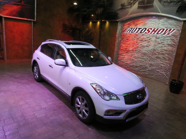 Used 2016 INFINITI QX50 ** DIAMOND WHITE!! IMMAC!! LOADED!! ** for sale $23,666 at Auto Show Sales and Finance in Winnipeg MB R3Y 1G5 1