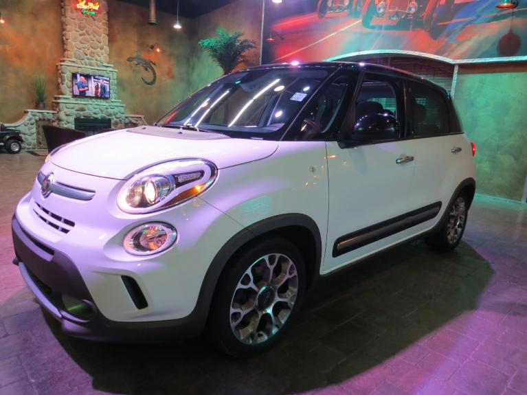 Used 2014 FIAT 500L ** LIKE NEW!! LOW K and ABSOLUTELY LOADED!!! ** for sale $14,800 at Auto Show Sales and Finance in Winnipeg MB R3Y 1G5 1