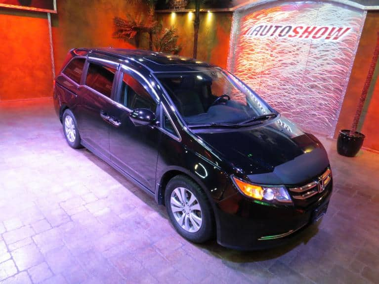 Used 2014 Honda Odyssey EX-L w/ Nav, S.Roof, Htd Lthr, 8 Pass! for sale $25,975 at Auto Show Sales and Finance in Winnipeg MB
