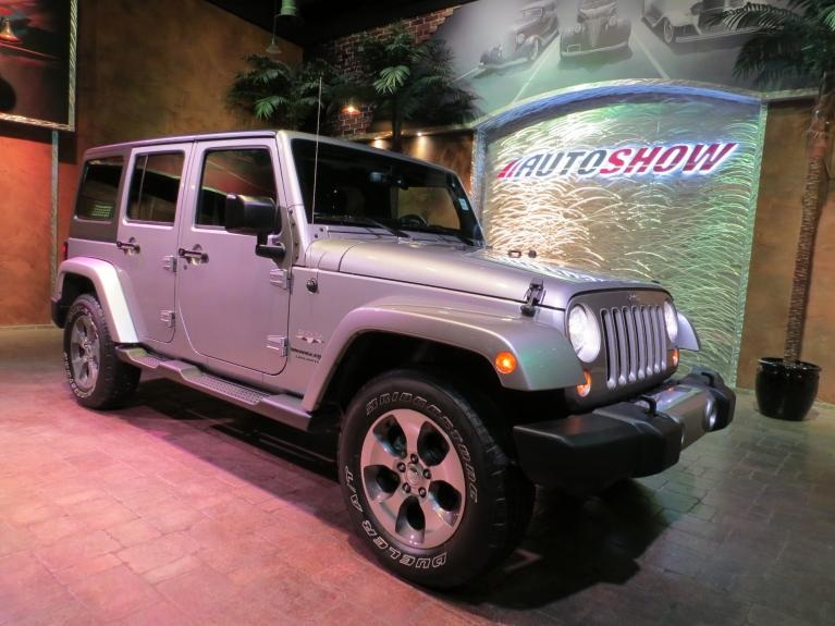 Used 2018 Jeep Wrangler JK Unlimited ** LIKE NEW!! WOW ONLY $32,800!! ** for sale Sold at Auto Show Sales and Finance in Winnipeg MB R3Y 1G5 2