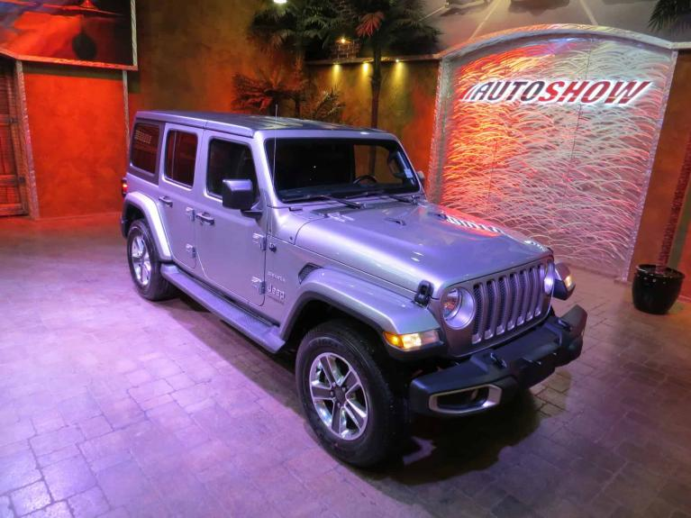 Used 2018 Jeep Wrangler Unlimited ** NEW GENERATION!! LOADED!! ** AS NEW for sale $42,600 at Auto Show Sales and Finance in Winnipeg MB R3Y 1G5 2