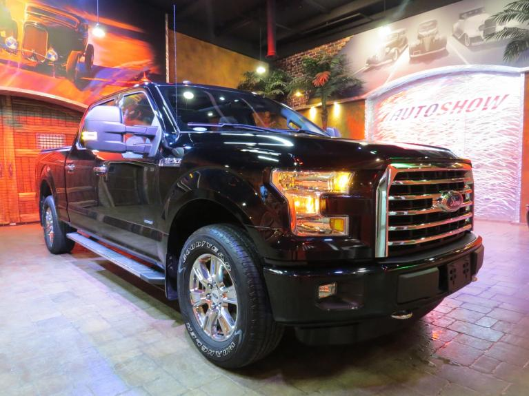 Used 2016 Ford F-150 3.5 Turbo Crew - Pano Roof & Big Screen for sale $34,800 at Auto Show Sales and Finance in Winnipeg MB