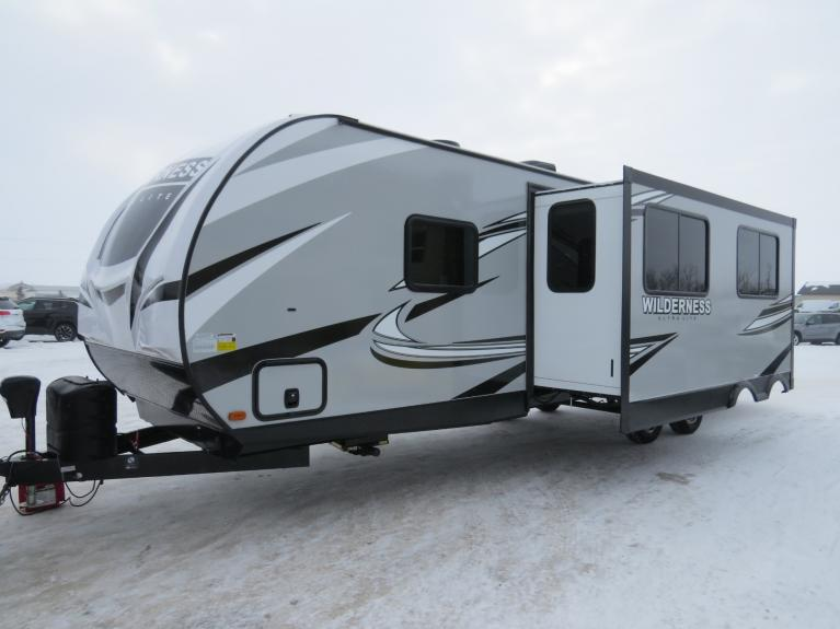 New 2020 WILDERNESS 3185QB 3185QB Bunkhouse, Outdoor Kitchen! for sale $35,895 at Auto Show Sales and Finance in Winnipeg MB